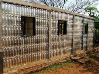 parnik iz plastikovih butilok